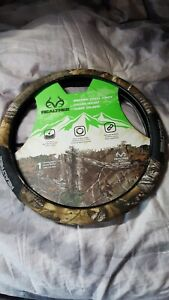 Realtree Xtra Brush Camouflage Soft Grip Steering Wheel Cover truck Car Suv