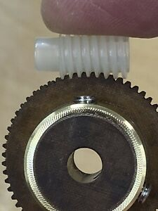Fiber And Nylon Worm Gear Set 60 Teeth 48 Pitch From Tuning Capacitor Mechanism