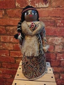 Old Native American Indian Beautiful Doll