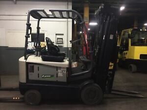 2017 Crown 5000 Lb Electric Forklift With Side Shift And Quad Mast