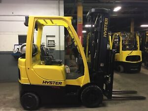 2017 Hyster 4000 Lb Forklift With Quad Mast And Side Shift Max Lift Ht 240
