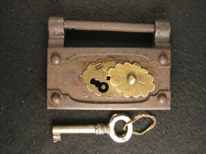 Antique Chinese c 1900 Forged Iron Lock With Key In Good Working Condition