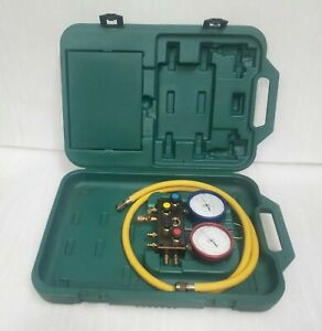 Refco 4 way Electronic Manifold In Case