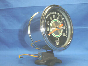 1960s Stewart Warner Green Line 8000 Rpm Tachometer With Chrome Cup Ct1