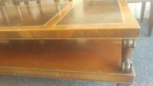 Vintage Mid Century Weiman Heirloom Leather Top Coffee Table W Gold Flake Edge