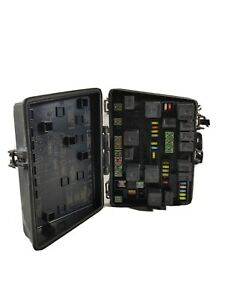 2004 2005 2006 Chrysler Pacifica Engine Fuse Box Relay Compartment Oem