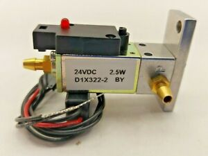 Dynamco D1x322 2 Pneumatic Solenoid Valve W cable 24 Vdc 2 5 Watts