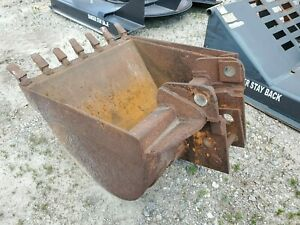 Used 36 Inch Backhoe Tooth Bucket Fits Case 580k