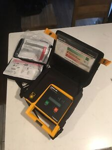 Lifepak 500 Aed With New Pads New Battery Carry Case Medtronic
