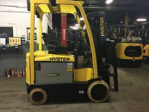 2015 Hyster 5000 Lb Electric Forklift With Side Shift And Triple Mast