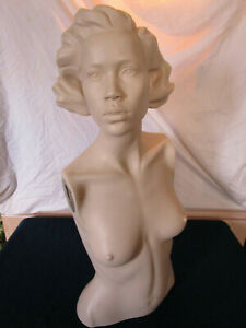 Beautiful Vintage Woman s Display Mannequin Upper Torso With Molded Hair Nice