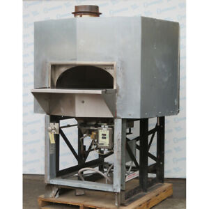 Woodstone Ws ms 5 rfg ir ng Mt Adams 5 Foot Pizza Oven Used Very Good Condition