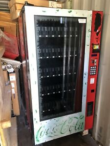 Nice And Clean Royal Rvv500 Glass Front Soda Drink Vending Machine With Arm