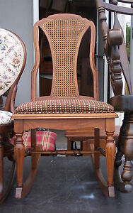 Walnut Grand Ledge Sewing Rocker Rocking Chair R120
