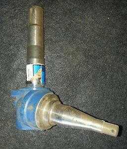 Ford New Holland A c7nn3105d Rh Spindle 5100 5000 5600 5610 6600 6610