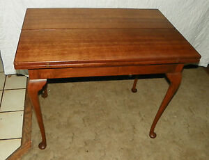 Quartersawn Oak Cherry Flip Top Game Table Entry Table T70
