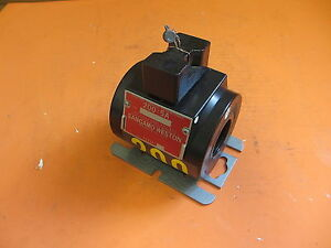 Sangamo 72351 001 200 5 600 Volt Current Transformer Type B6s