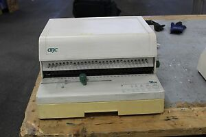 Gbc 111pm 3 Paper Punch And Gbc 110eb 3 Electric Binder
