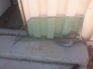 1970 Lincoln Mark Iii 3 Iii Right Window Glass Parting Out 2 Cars 71 69