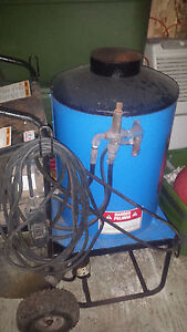 Clack Delco Hot Power Washer 1000 Psi