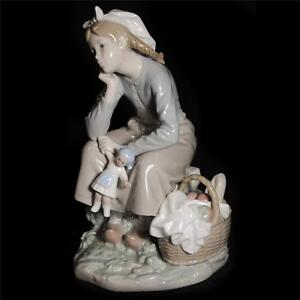 Vintage Lladro Girl With Doll Gloss Finish Ceramic Figurine Made In Spain 1211