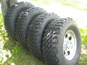 Kumho Road Venture Mt 834 31x10 50r15 Tire