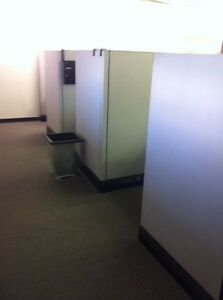 6 Station Office Cubicles Used