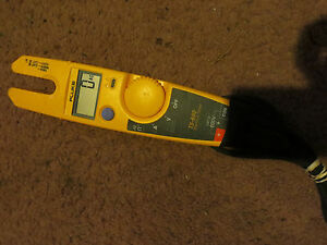 Fluke T5 600 600v Voltage Continuity And Current Tester Great Condition