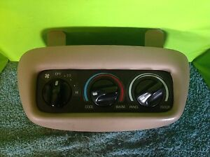 Oem 1998 Ford Expedition Eddie Bauer Tan Rear Overhead Climate Controls Bb0058