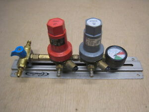 Norgren Syrup And Carbonation Regulator R81 219 lnka And R81 220 lnga With Gage