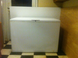 48 Gibson Commercial Heavy Duty Chest Freezer Used