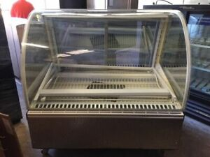 Federal Industries Refrigerated Bakery Case Snr 48sc