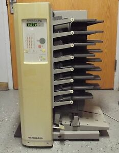 Standard Horizon Collator Qc p8 unit Powers Up in Good Cosmetic Condition s2619