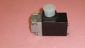 New Bosch Hubmagnet 0831005030 Hydraulic Directional Control Valve 12vdc a serie