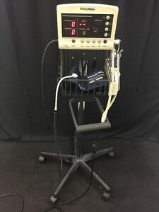 Welch Allyn 52000 Vital Signs Patient Monitor Spo2 Temp Blood Pressure W stand