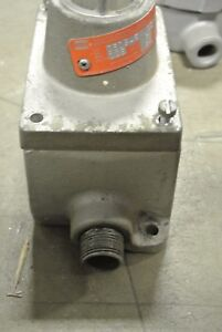 Crouse Hinds Dsd946j10 125 V Explosion Proof Pilot Light W Base Used