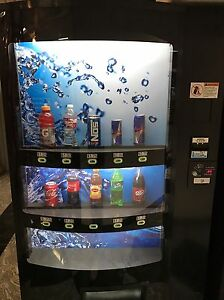 Drink Vending Machine 2015 Vendo V21 10 Selection In Great Condition