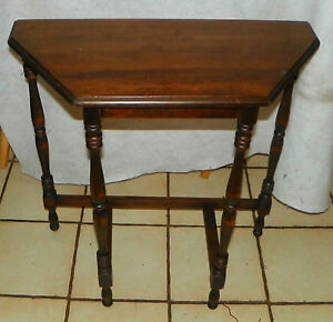 Mahogany Demilune Table Entry Table T586