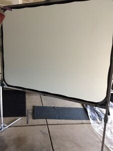 Draper Cinefold Projection Screen Portable In Easy Transportable Case
