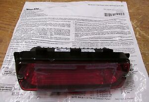 New Nos Whelen 500 Series Linear Lin6 Red Led Red Lens 50r02zrr