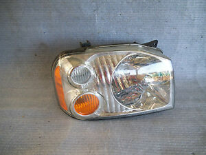 2001 2004 Nissan Frontier Right Front Headlight