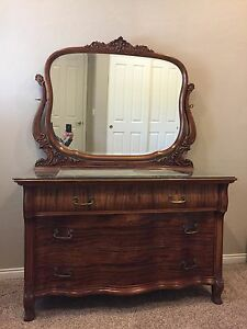 Vintage Antique Mahogany Dresser W Mirror And Locking Drawers