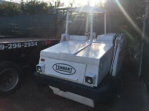 Tennant 92 Parking Lot Sweeper W cab super Clean Unit extend Brush 245hrs