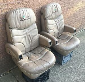 1997 Ford Van Waldoch Crafts Deluxe Leather Reclining Front Seats Captain Chairs