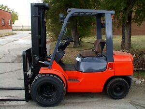 Late Model Nissan Forklift Air Tires 5000 Lbs Great Condition