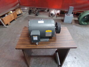 Baldor Industrial 1 5 Hp Motor With Pulley Cat M15b95429801 004
