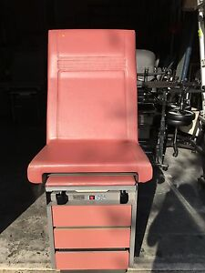 For Sale Midmark Ritter 104 Exam Table Excellent Condition