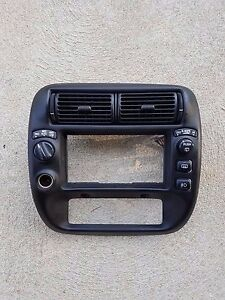 1995 2003 Ford Explorer Ranger Mountaineer Radio Dash Trim Bezel Oem