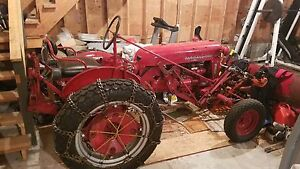 1956 International Harvesrer Farmall Cub Lo Boy