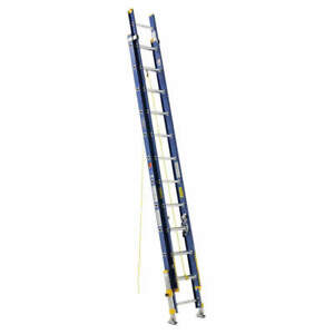 Werner Extension Ladder fiberglass 24 Ft ia D8224 2eq